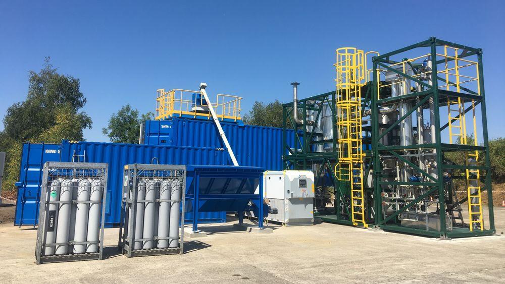 Et slikt mobilt kontainer-system kan gjøre plast om til syngass, og deretter strøm. I dag testes det i Drammen, men eierne har siktet seg inn mot Indonesia.