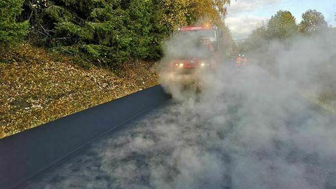 Her testes miljøvennlig asfalt for aller første gang i Norge – kan redusere klimautslippene med 80 prosent