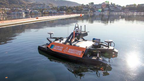 Maritime Robotics og Clean Sea Solutions har samarbeidet om å utvile Clean Ocean-dronen.