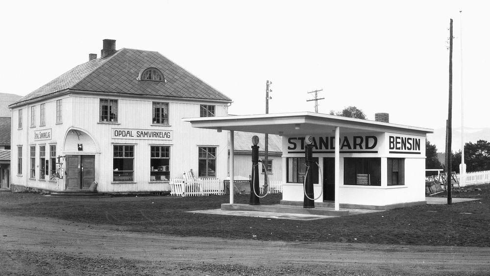 Standard Oils stasjon på Oppdal i Trøndelag.