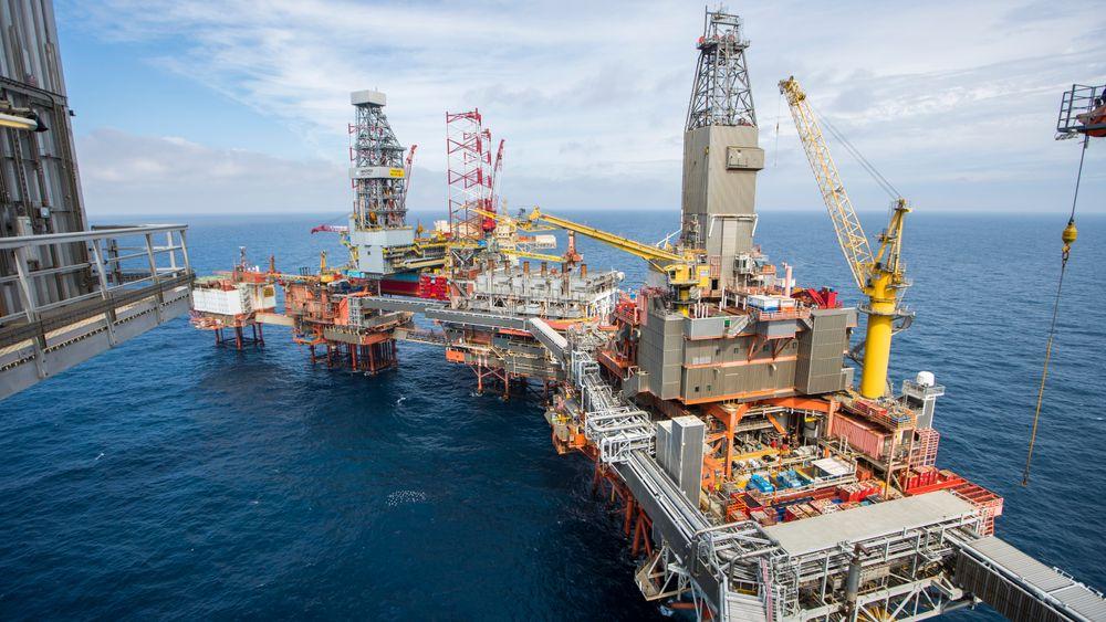 En ny rapport fra Oljedirektoratet konkluderer med at det fremdeles er store ressurser i norske havområder – og det haster med letingen.