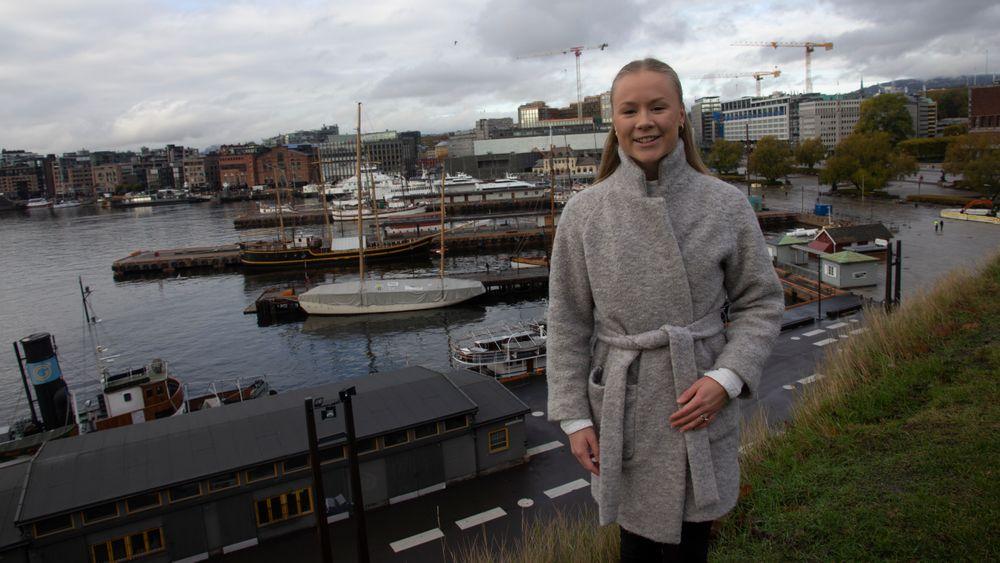 Julie Sandnes Galaaen har skrevet masteroppgave om elferger.