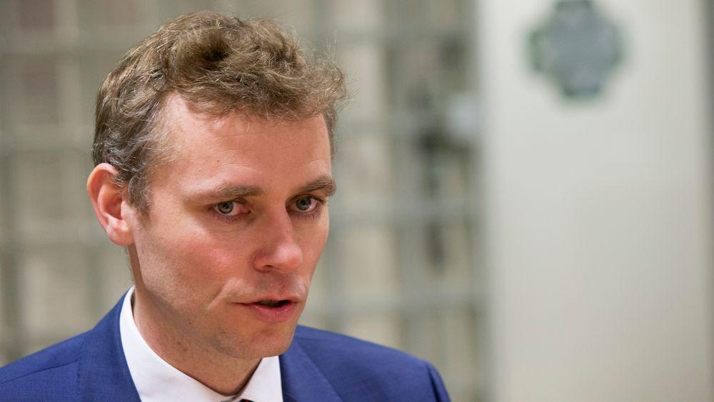 At Ola Borten Moe som oljestatsråd var for å åpne Barentshavet er velkjent, men avsløringene om at informasjon ble holdt tilbake fra Stortinget setter OED i dårlig lys, mener Anders Bjartnes.