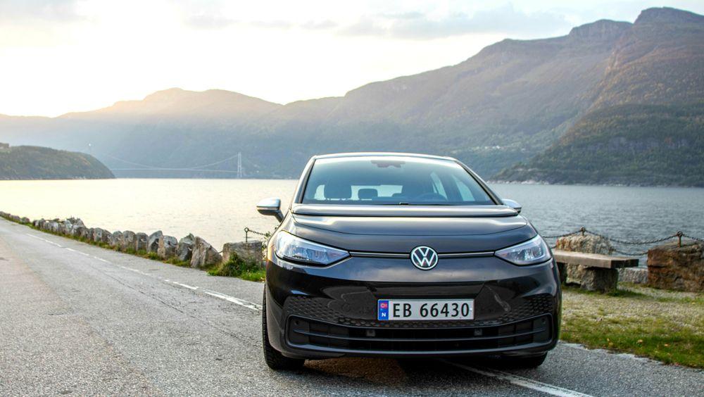 Volkswagen ID3 selger meget godt nå i høst, og bidrar dermed til at Norge setter nye elbilrekorder. Men hele 20 forskjellige elbilmodeller ligger an til å utlevere 1.000 biler eller mer i år. Markedet har modnet.