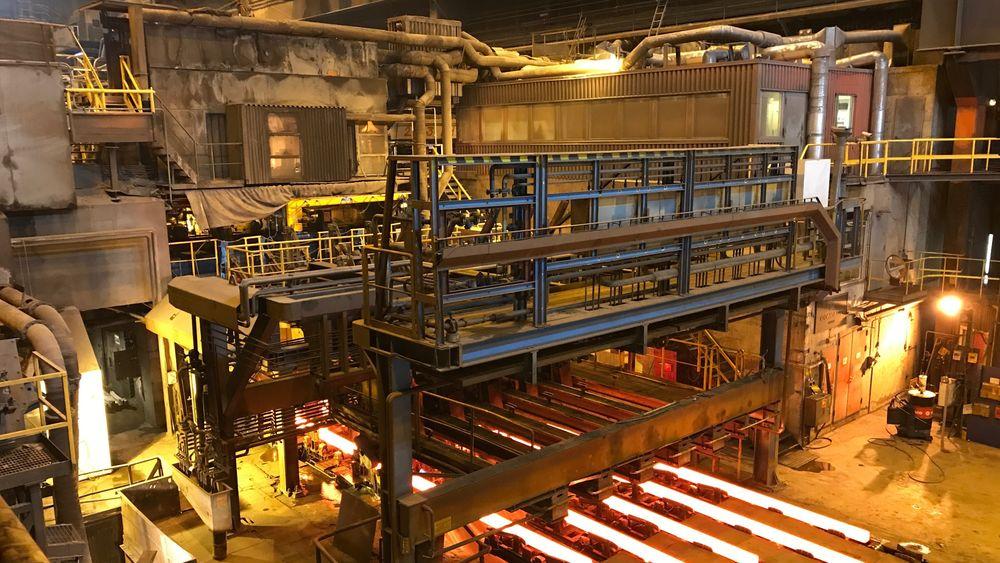Mens smelteovnen allerede går på strøm, varmes valseovnen med kullos og olje og står for 60 prosent av utslippene fra Celsa armeringsstål.