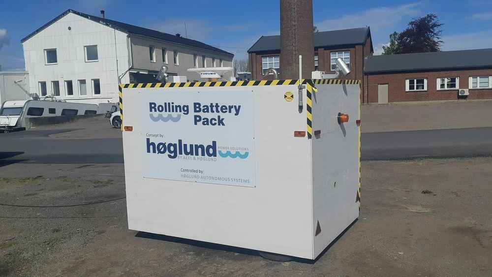 Slik ser prototypen av den selvkjørende batteripakken ut. Konseptet har blitt liggende i en skuff, men oppfinnerne tror det kan bli aktuelt når fergestrekningene i Nord-Norge skal elektrifiseres.