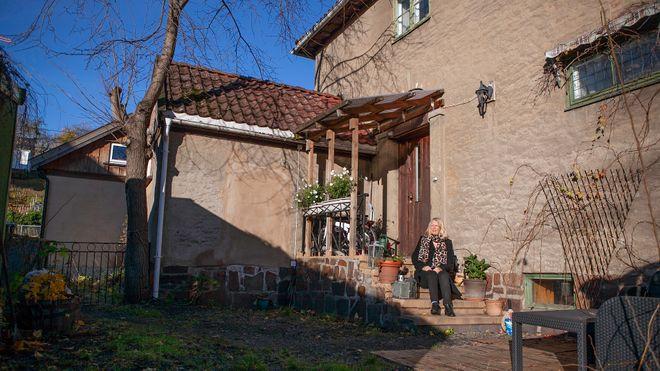 Oddveig har ikke råd til å bo i egen bolig– Fornebubanen har stoppet salg i seks år