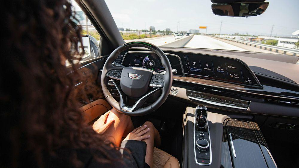 Escalade og de andre Cadillac-modellene skal nå alle utstyres med «autonomi»-systemet Super Cruise, som topper i Consumer Reports undersøkelse.