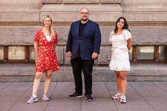 Publisher Erik Waatland sammen med markedsavdelinga bestående av Siss Godager-Andersen og Bahar Darabi i Medier24 AS. Julie Hansson Tangen er i permisjon til nyttår.