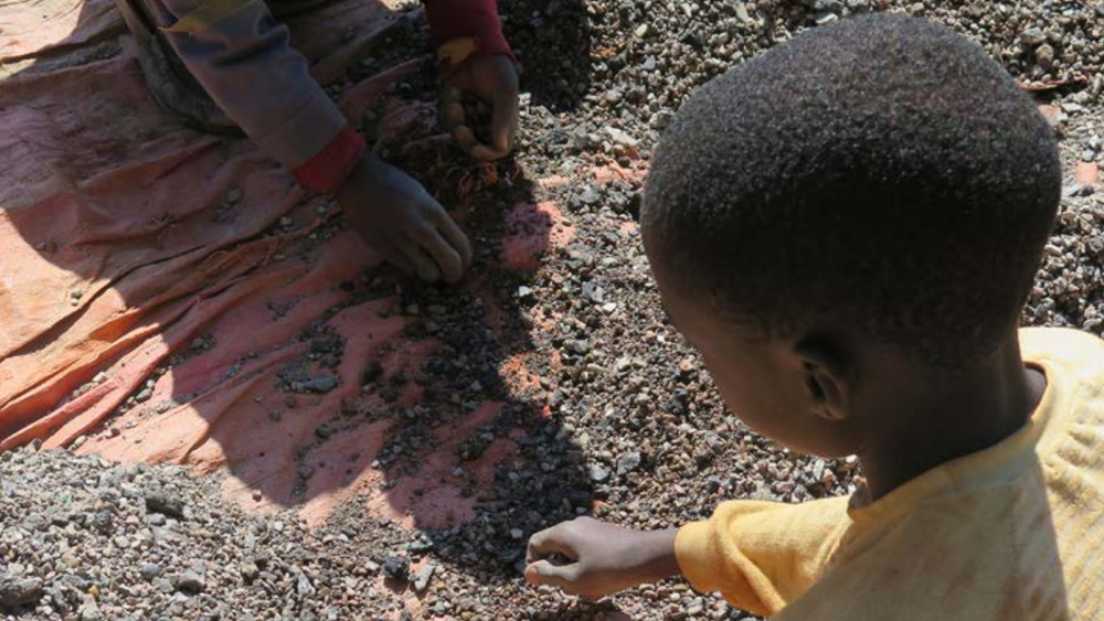 Opptil 30 prosent av Kongos kobolt utvinnes uformelt, inkludert av barnearbeidere.