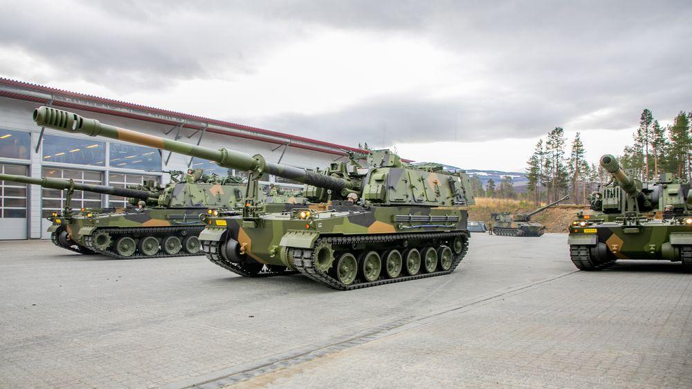 De fire første K9 Vidar-vognene ankom Setermoen i oktober.