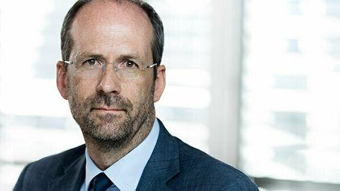 Portrettfoto mann i dress og slips