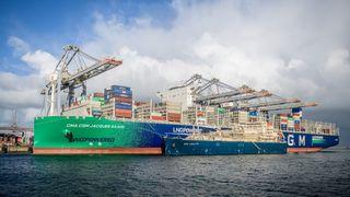 Verdens største LNG-drevne containerskip bunkret i Rotterdam