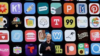 Arkivfoto av Tim Cook på scenen under Apples utviklerkonferanse i 2018.
