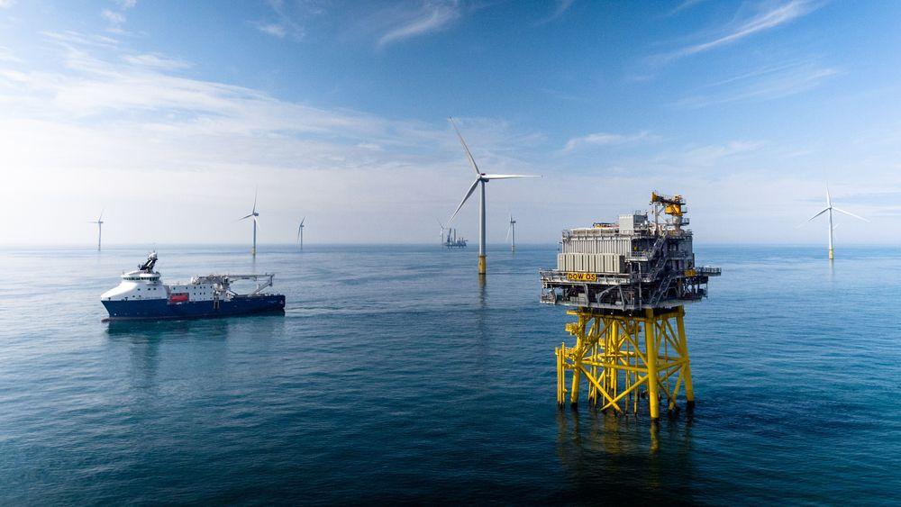 Equinors Dudgeon Offshore Wind Farm vindmølleanlegg  utenfor England.