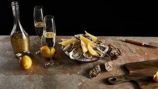Ny forskning: Derfor smaker champagne og østers så godt sammen