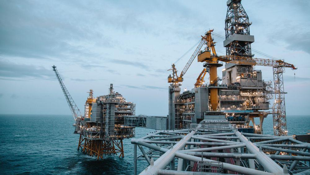 Prisen på nordsjøolje steg tirsdag morgen til 46,56 dollar fatet, det høyeste nivået siden oljekollapsen i mars.