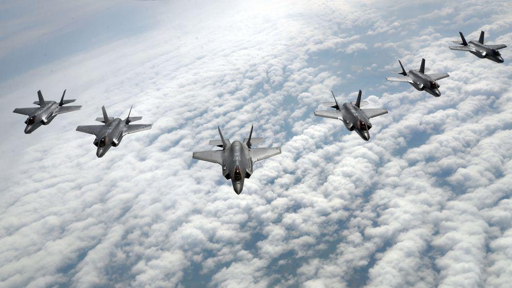 Seks F-35A fra Hill AFB i formasjon overUtah.