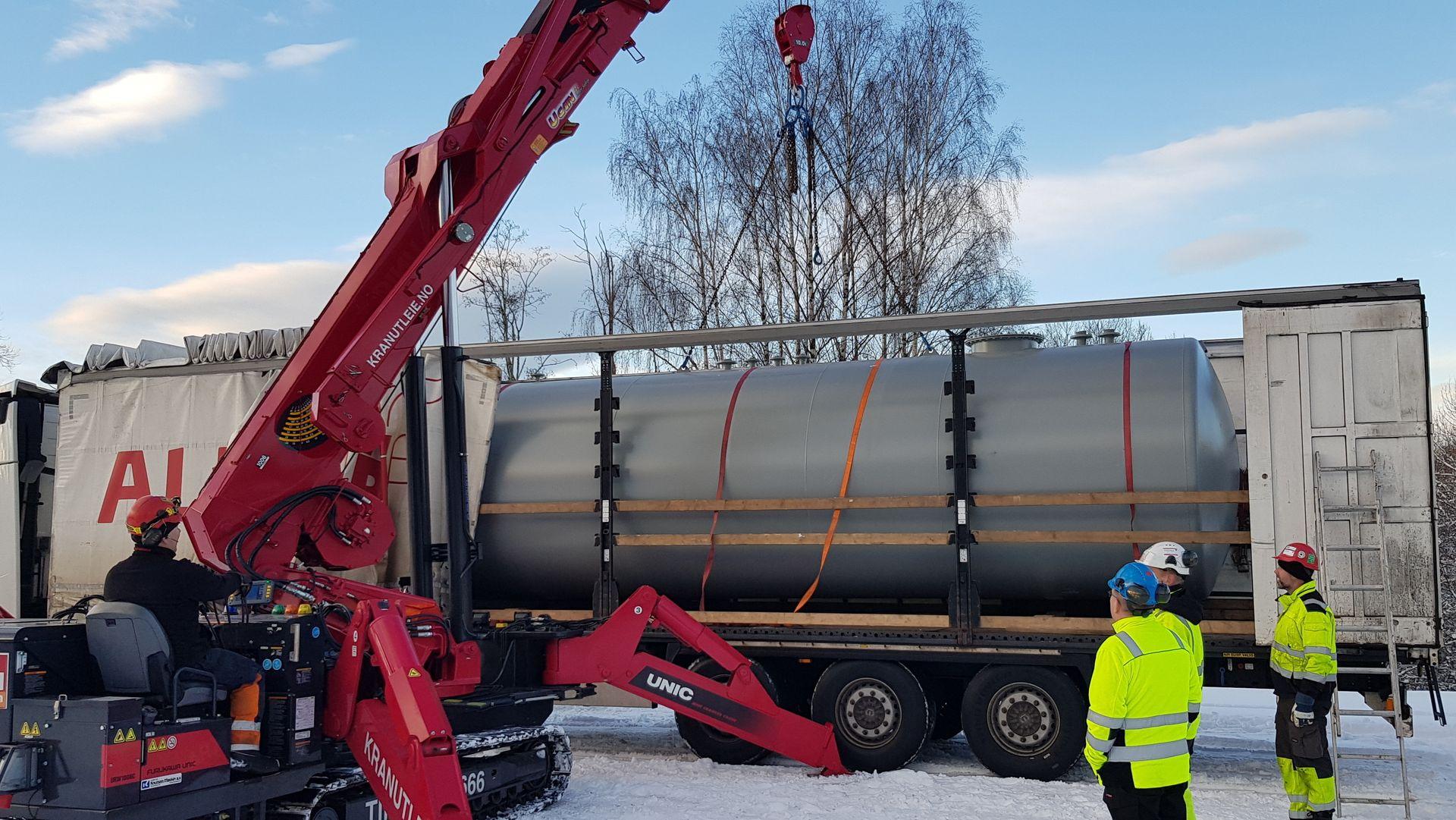 ANNONSE: Disse komponentene skal sikre vann i springen til Oslos borgere ved strømbrudd