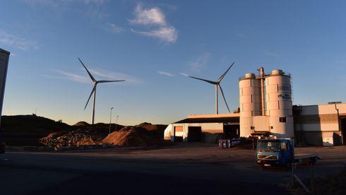 Bygger vindmøller i industriområder: Det blir likevel bråk