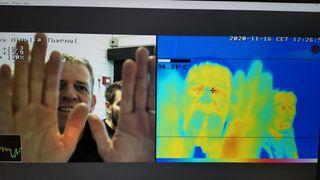 Kameraet sjekker om du har feber, og har full kontroll på smittesporinga