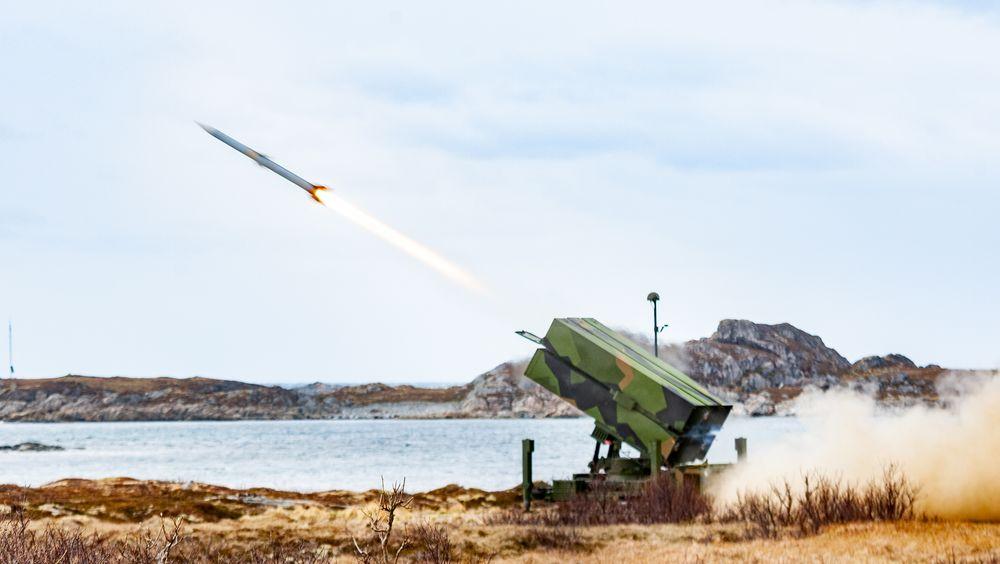 Luftvernartilleribataljonen (LvBn) fra Ørlandet skyter med NASAMS III luftvern på Andøya.