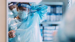 FHI: Fortsatt frykt for at koronapandemien kommer ut av kontroll