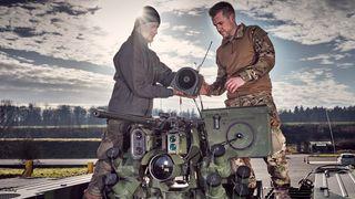 Mislyktes med stridsvogn og artilleri: Nå prøver sveitserne seg med nytt Levanger-samarbeid