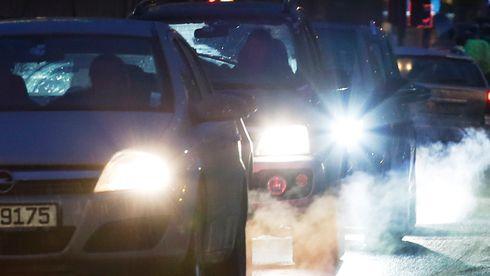 Budsjettavtalen fremmer salg av fossilbilerog gjør det vanskeligere å gradvis innføre avgifter på elbiler