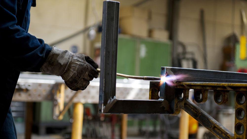 Industriomsetningen økte med 1,7 prosent i perioden august-oktober. Metallindustrien trakk omsetningen mest opp, med en oppgang på 8,4 prosent.