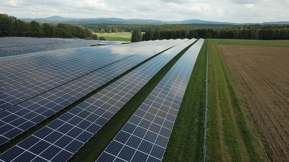 Solbransjen i Norge vil kunne omsette for 118 milliarder i året innen 2030, anslår ny rapport.