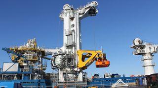 Slik senker man gassmoduler til 320 meters dyp med millimeterpresisjon
