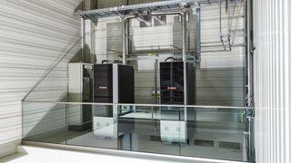 Produserer strøm direkte fra naturgassi keramisk brenselscelle