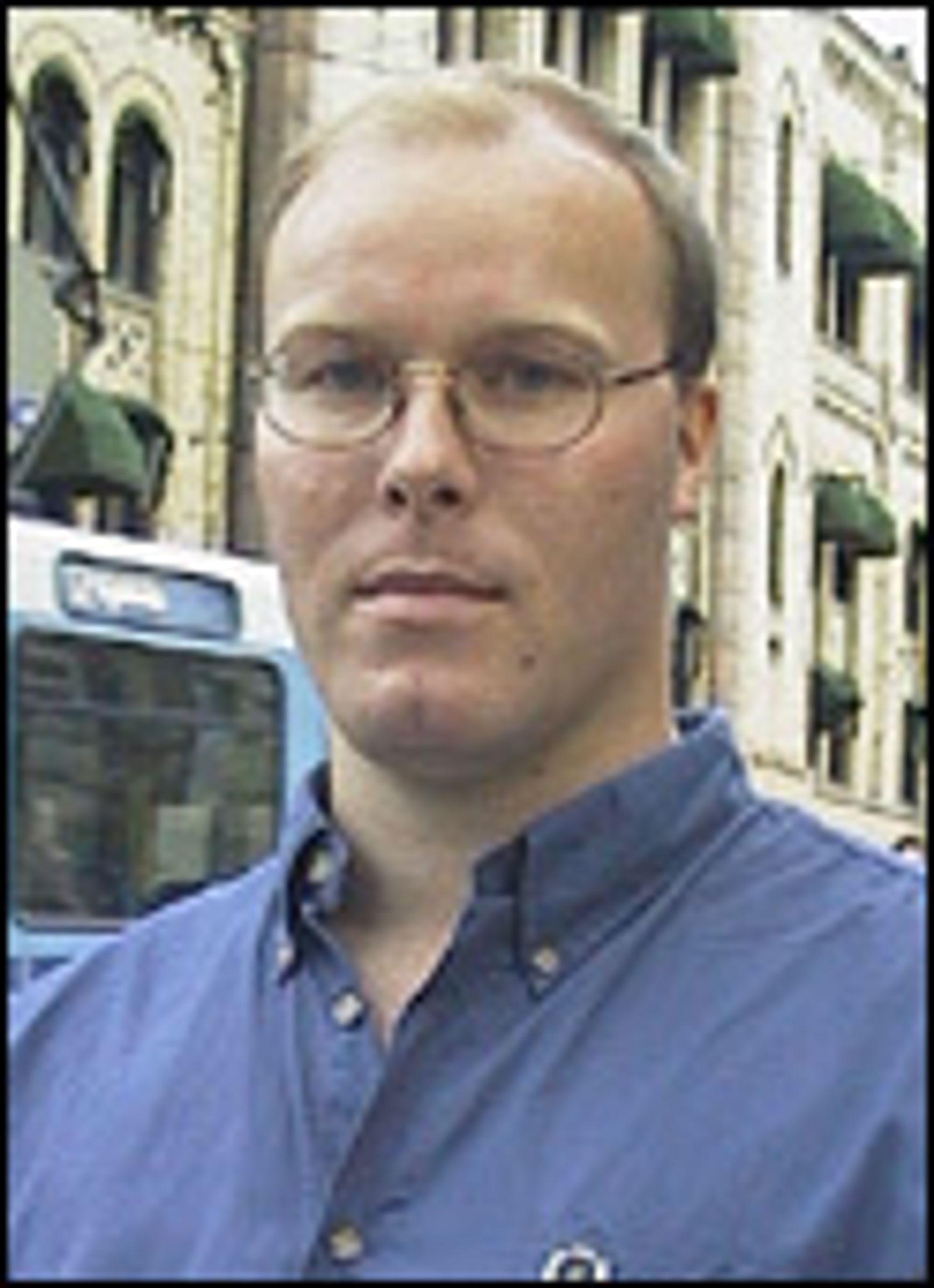 Daglig leder i Riksnett, Rolf Larsen.