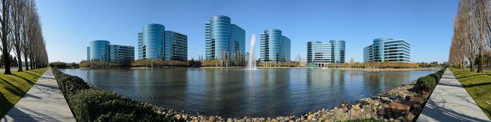 Panoramabilde over Oracles tidligere hovedkvarter i Redwood City, California.