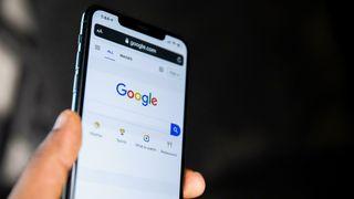 Illustrasjonsfoto av googlesøk på en mobiltelefon.