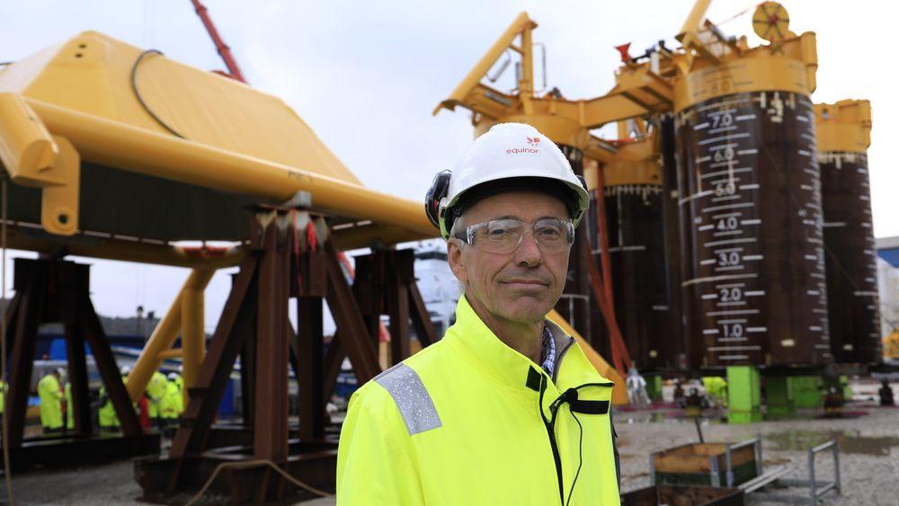 Prosjektdirektør i Northern Lights, Sverre Overå, på Aker Solutions verft i Egersund, foran undervannsinstallasjonen til første brønn som skulle bores for CO2-lagring i Northern Lights-prosjektet. Nå har Aker Solutions fått to nye kontrakter i prosjektet.