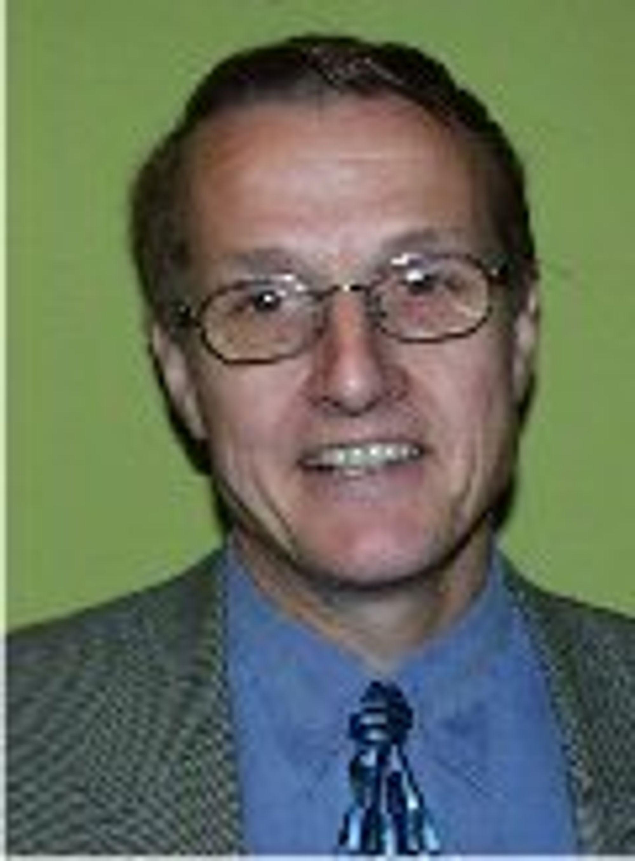 Ivar Egeberg, politiker og kjent personlighet fra idrettsmiljøet, blant annet som generalsekretær i Norges Idrettsforbund (NIF).