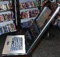 Datamaskin i bokhandel