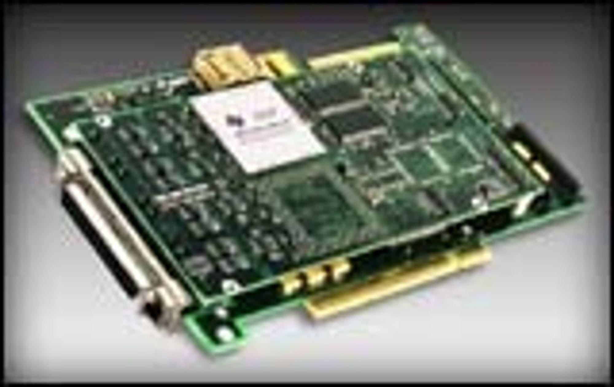 Comuniqs PMC BRI-kort montert på et PMC-til-PCI-adapterkort