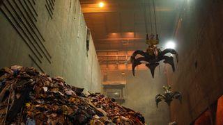 Vestforbrænding brenner plast og avfall for å produsere strøm og fjernvarme til mange titusen danske hjem.