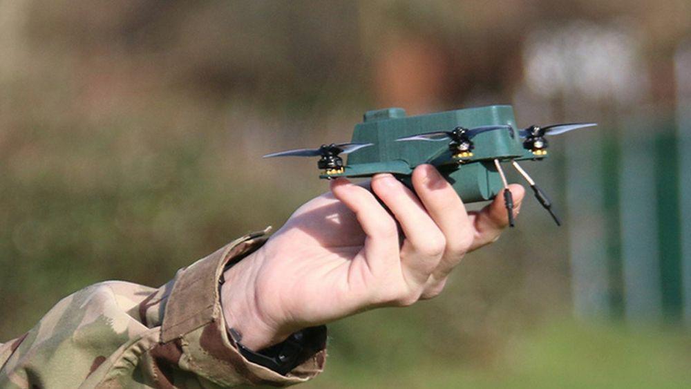 BUG kan sendes fra en soldats håndflate og deretter sende video tilbake til én eller flere skjermer.
