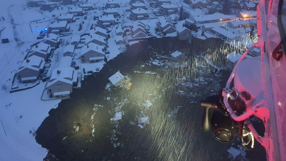 Bilde fra 330-skvadronen viser flere hus som er tatt av jordraset ved Ask i Gjerdrum.