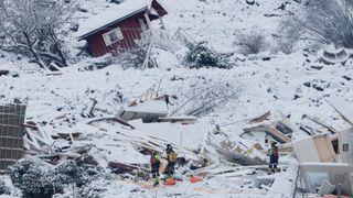 Én person funnet omkommet i husruin i skredområdet