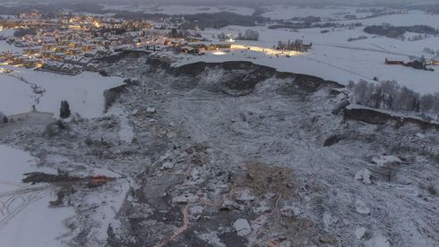 Gjerdrum  20210106. Bilde tatt med drone av området der et stort leirskred ødela  flere boliger på Ask i Gjerdrum onsdag 30. desember. Sju personer er funnet omkommet og tre er fortsatt savnet.Foto: Anders Martinsen, UAS Norway / Pool / NTB