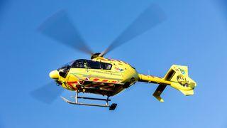 Luftambulansens helikopter i lufta