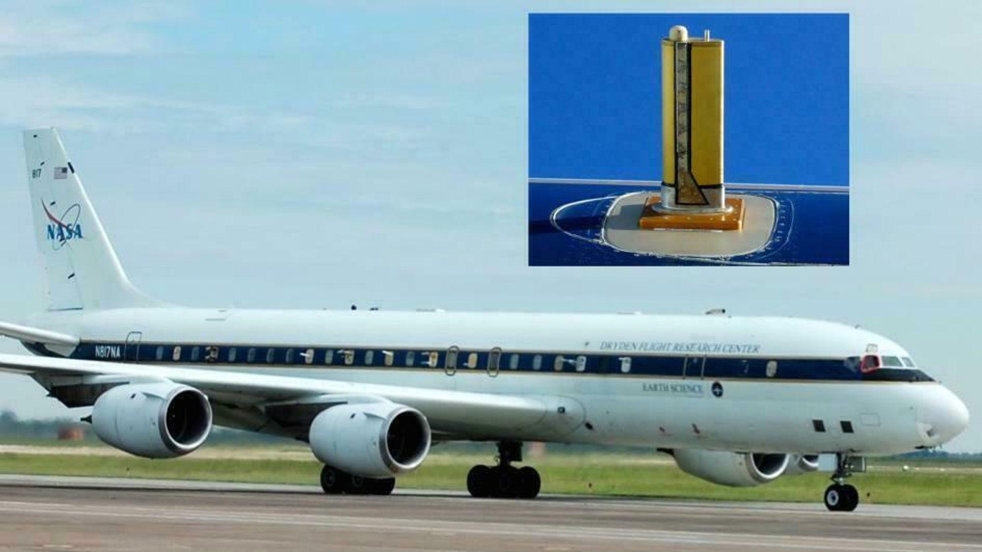 I dette NASA-flyer er vinduer slått ut for å gjøre plass til rør som suger luft inn i et massespektrometer.