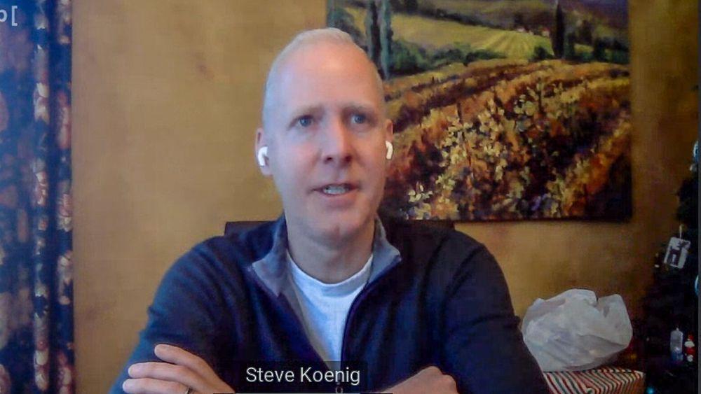 Forsker på forbrukertrender: Steve Köenig. Han er forskningssjef i CTA - Consumer Technology Association. Organisasjonen som arrangerer CES i Las Vegas. Utenom i år.