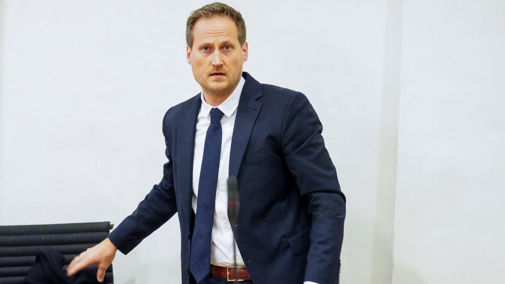 Førstestatsadvokat Esben Kyhring under første dag av korrupsjonssaken mot en tidligere byggesaksleder i Tjøme kommune og en arkitekt i Vestfold tingrett.