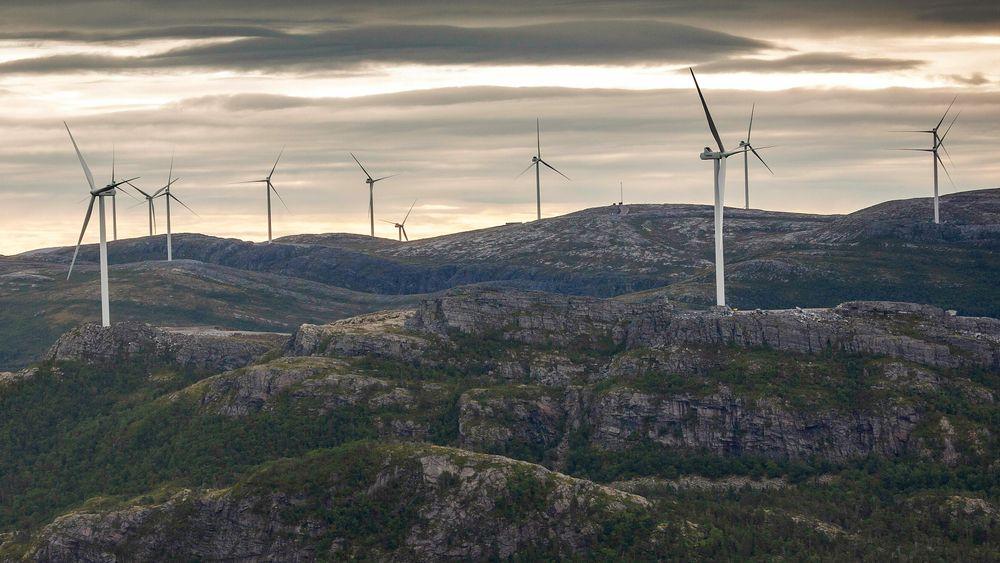 Vindkraftprosjektet på Fosen ble ferdigstilt i august i fjor, og er en av årsakene til at Norge satte ny vindkraftrekord i 2020. Men størsteparten av veksten i strømproduksjonen kommer fra vannkraft.